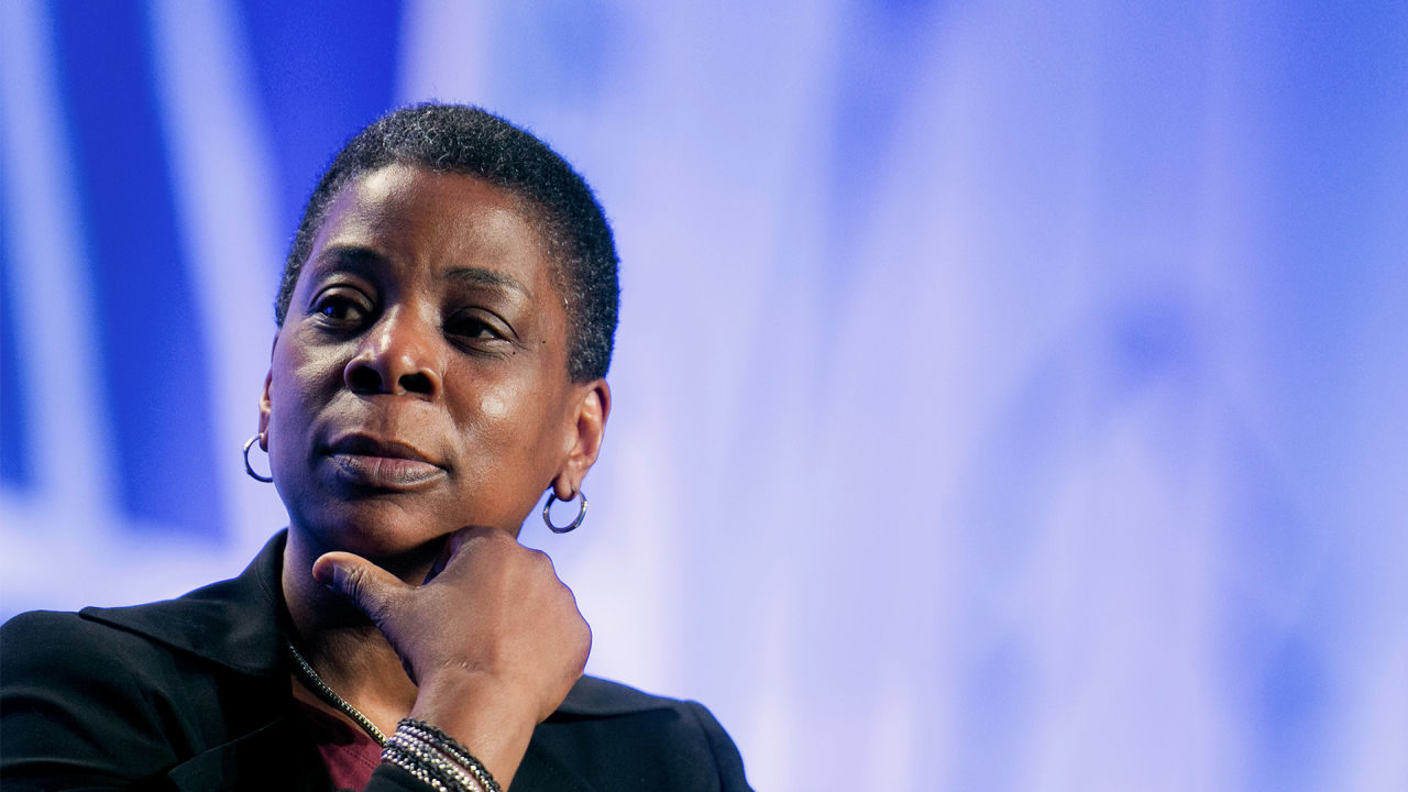 what do people do when they are leading ursula burns xerox ceo essay Ceo background ursula m burns is chairman and chief executive officer of xerox corporation burns joined xerox in 1980 as a mechanical engineering summer intern and later assumed roles in product development and planning.